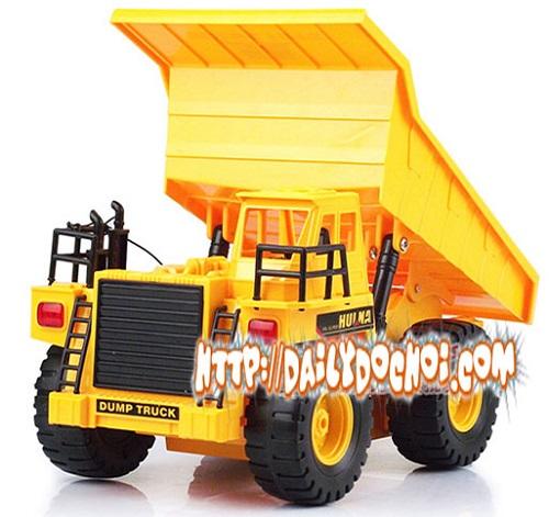 CT7 xe tải chở và nâng thùng hàng