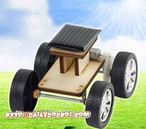 OT20 - Xe ôtô tự lắp ghép chạy bằng năng lượng mặt trời
